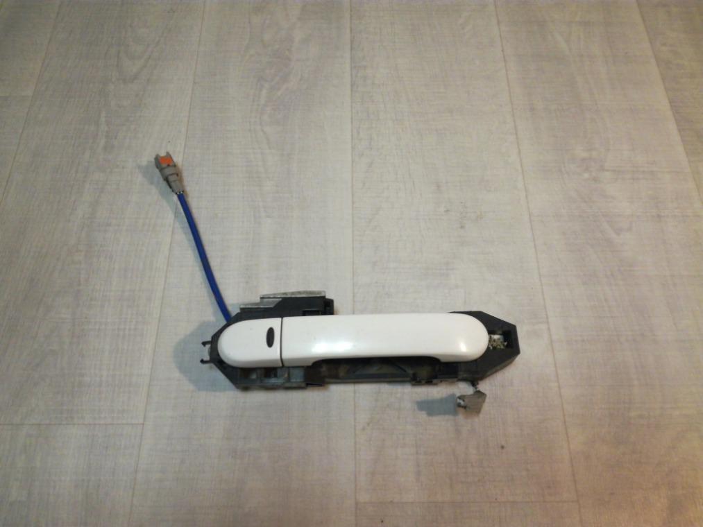 Ручка двери наружная Nissan Tiida C11 2007 передняя правая (б/у)