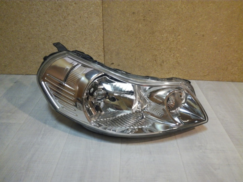 Фара Suzuki Sx4 GYA 2006 правая (б/у)