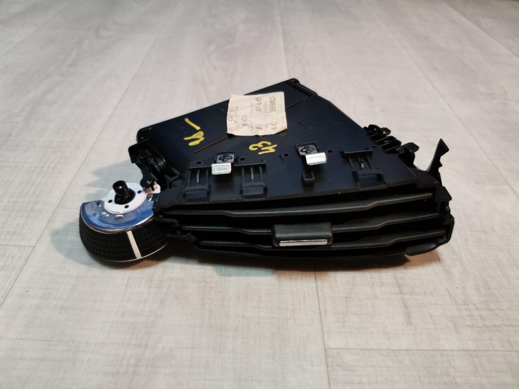 Дефлектор воздушный Ford Focus 3 CB8 2011 правый (б/у)