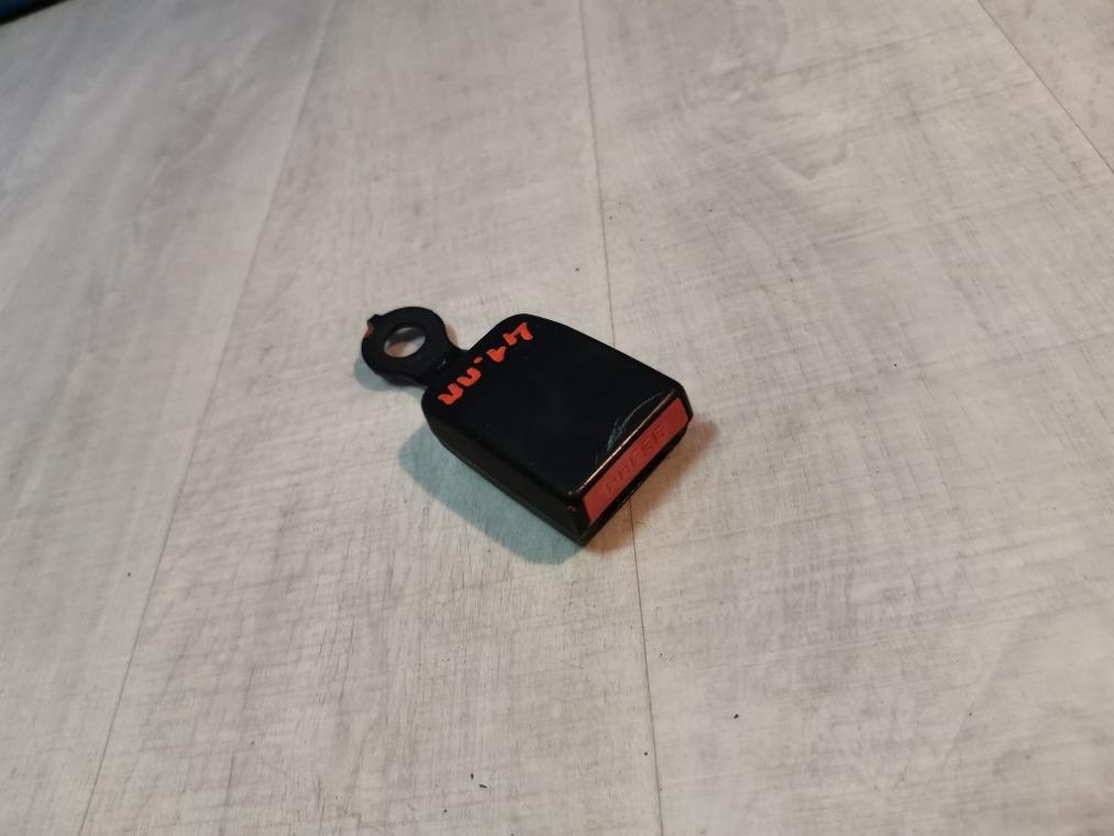 Замок ремня безопасности Nissan Almera G15 2013 передний (б/у)