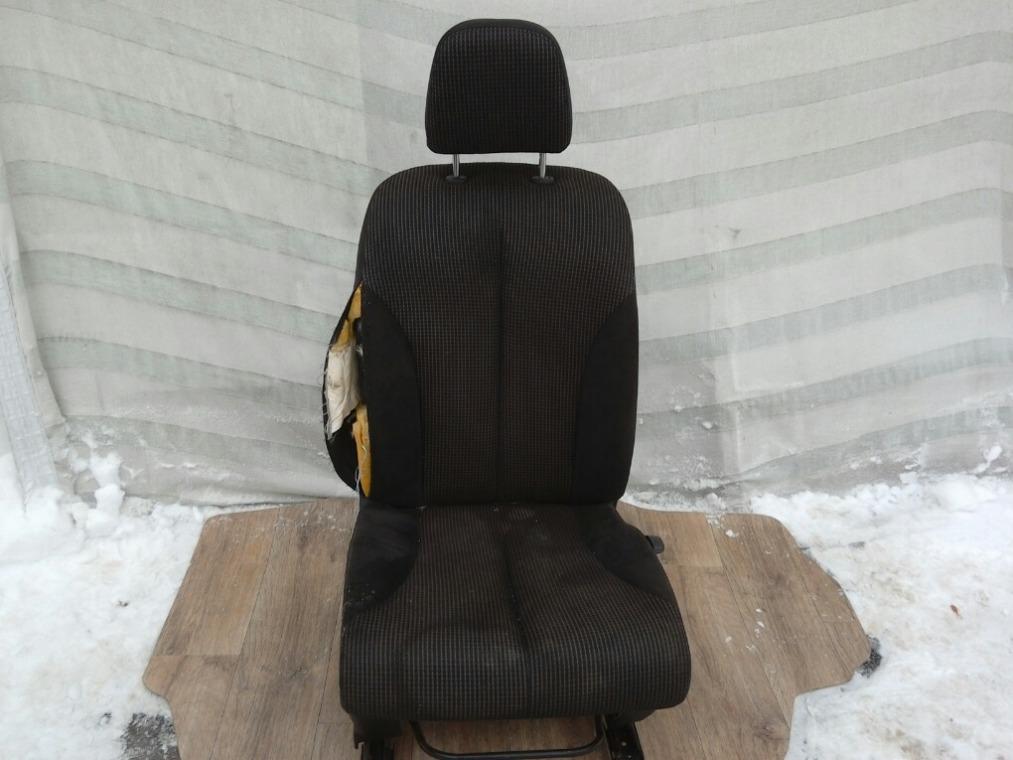 Сиденье Nissan Tiida C11 2007 переднее правое (б/у)