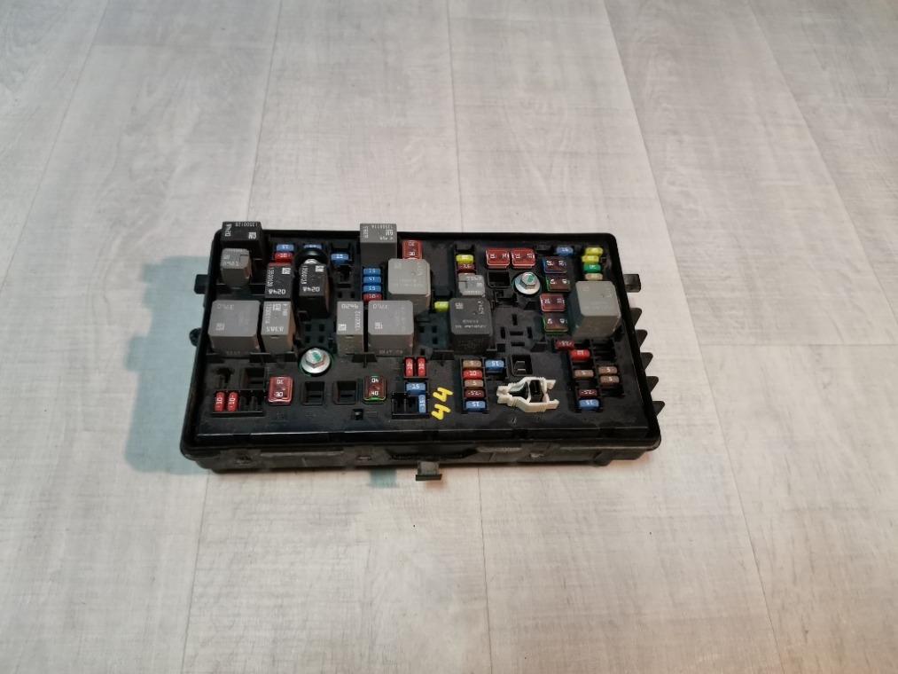 Блок предохранителей Chevrolet Cruze J300 2009 (б/у)