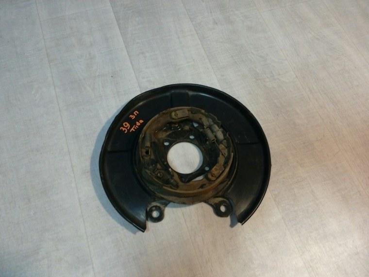 Щиток тормозного механизма Nissan Tiida C11 2007 задний правый (б/у)