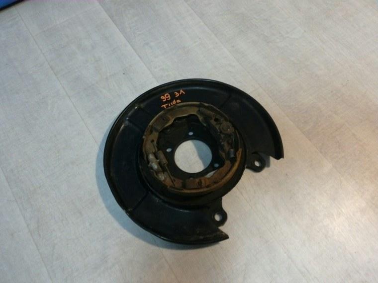 Щиток тормозного механизма Nissan Tiida C11 2007 задний левый (б/у)