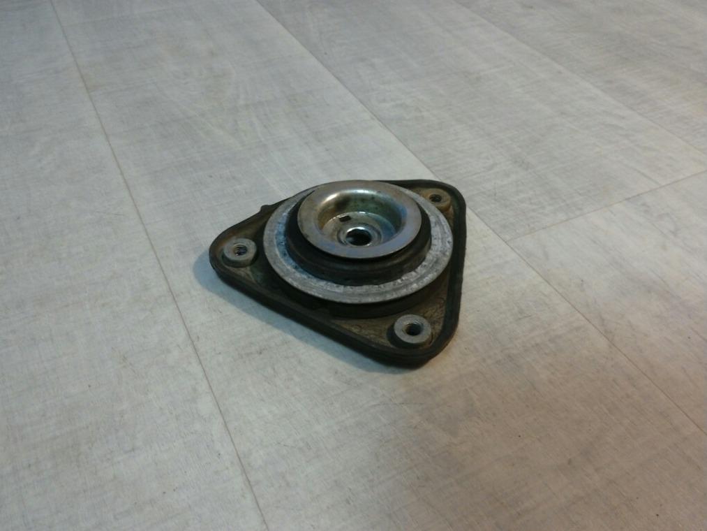 Опора амортизатора Ford Focus 3 CB8 2011 передняя левая (б/у)