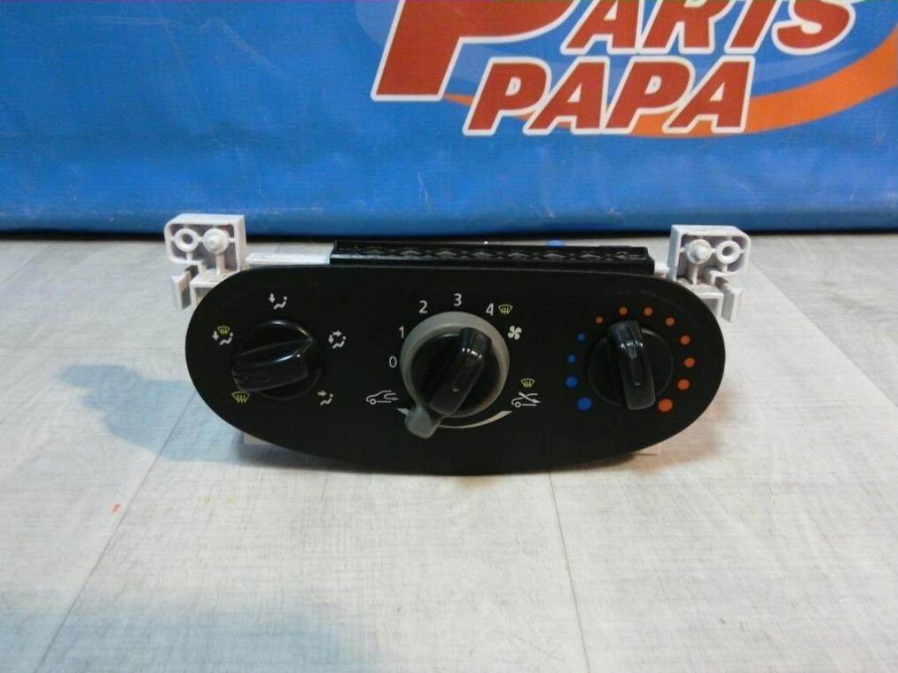 Блок управления отопителем Renault Sandero BS11 2009 (б/у)