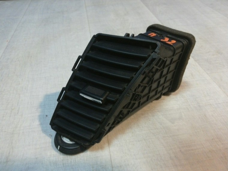 Дефлектор воздушный Chevrolet Cruze J300 2009 правый (б/у)