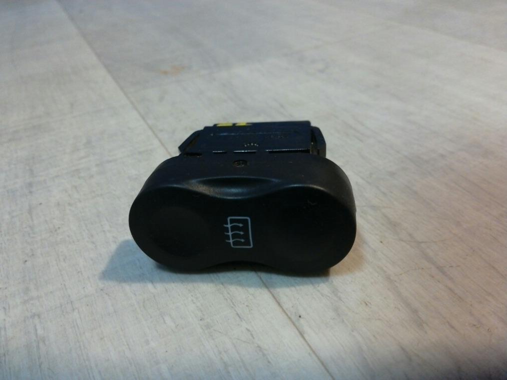 Кнопка обогрева стекла Renault Sandero BS11 2009 задняя (б/у)