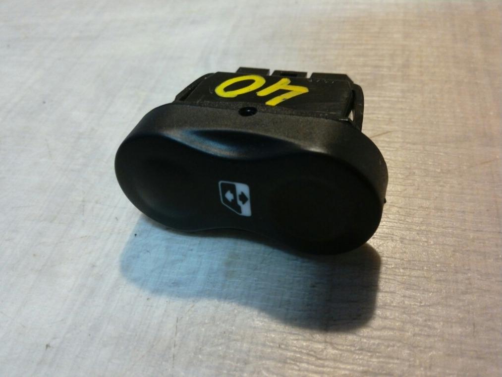 Кнопка стеклоподъемника Renault Sandero BS11 2009 (б/у)