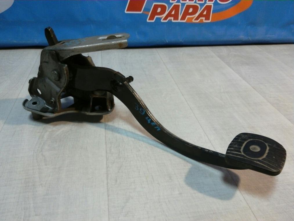 Педаль сцепления Nissan Tiida C11 2007 (б/у)