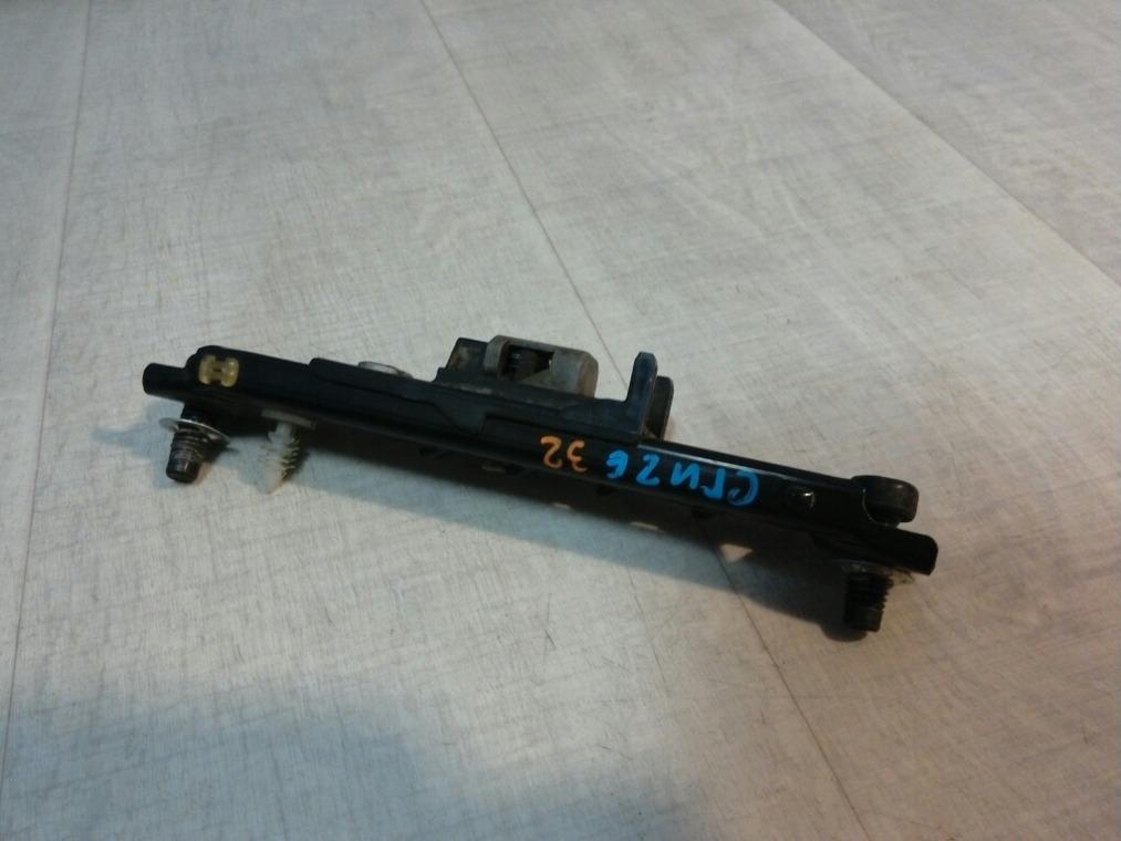 Механизм регулировки высоты ремня безопасности Chevrolet Cruze J300 2009 (б/у)