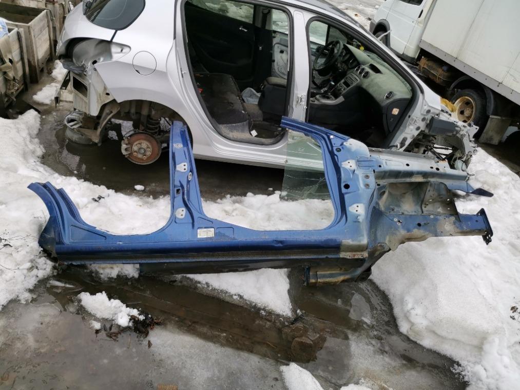 Боковина кузова Ford Fusion CBK 2002 правая (б/у)