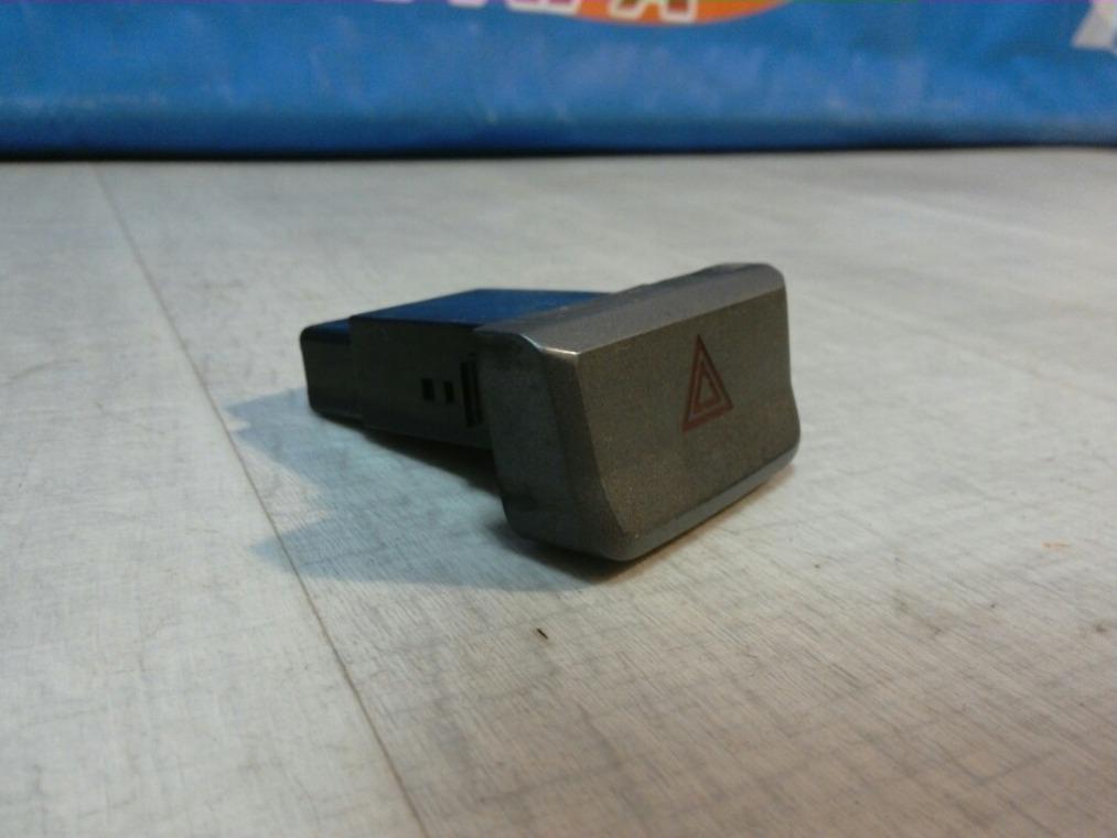 Кнопка аварийной сигнализации Hyundai Accent LC 2000 (б/у)