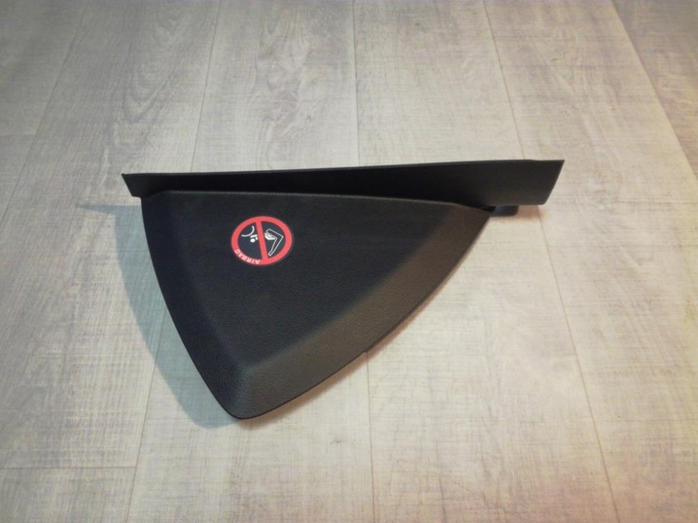 Накладка на торпедо Ford Focus 3 CB8 2011 (б/у)