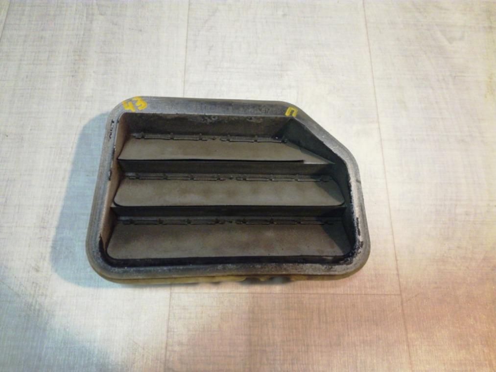 Решетка вентиляционная Ford Focus 3 CB8 2011 правая (б/у)