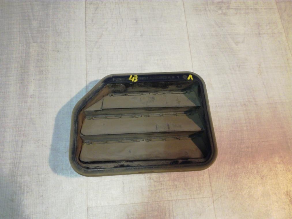 Решетка вентиляционная Ford Focus 3 CB8 2011 левая (б/у)