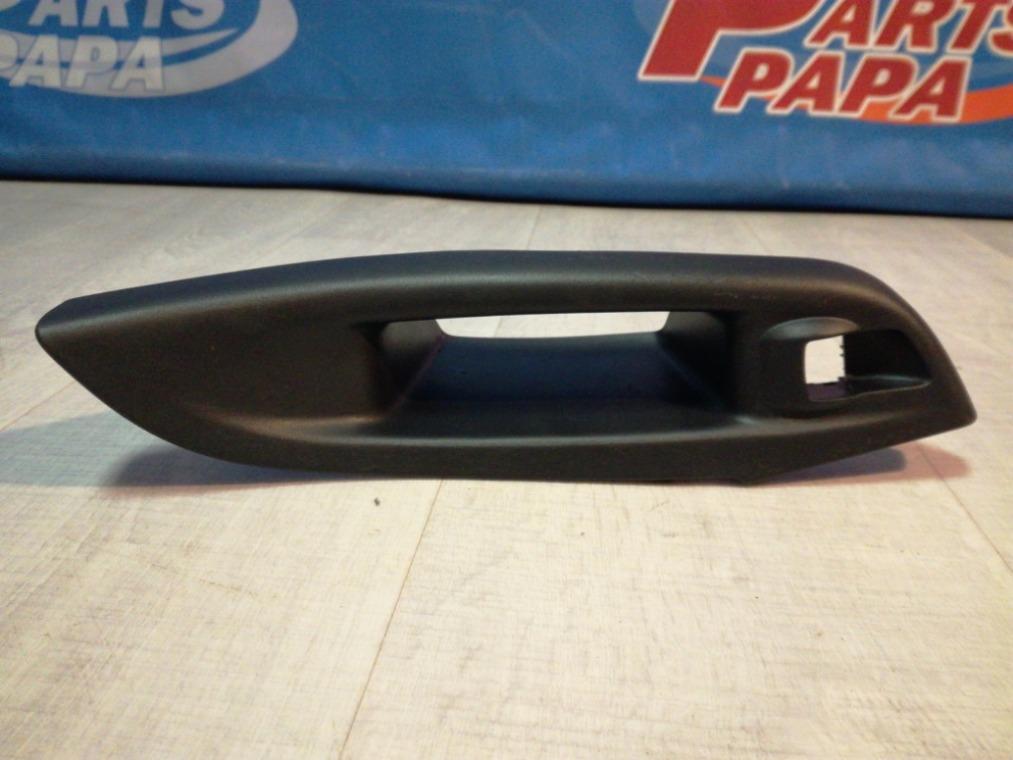 Накладка двери декоративная Ford Focus 3 CB8 2011 задняя правая (б/у)