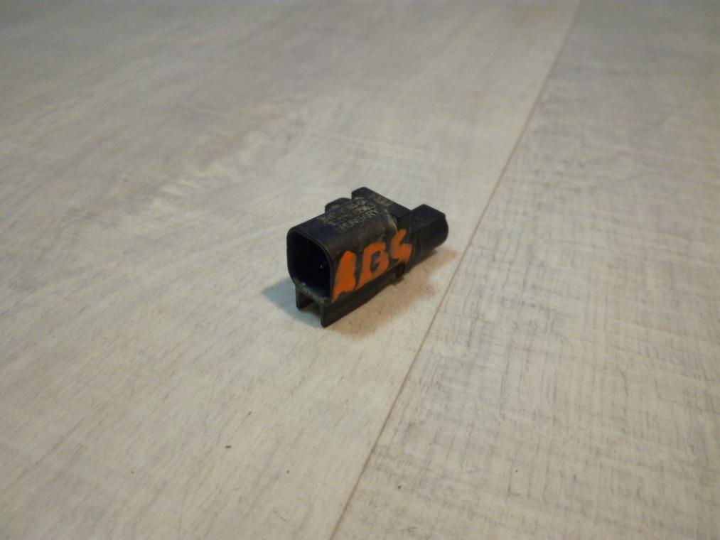 Датчик abs Ford Focus 3 CB8 2011 задний (б/у)