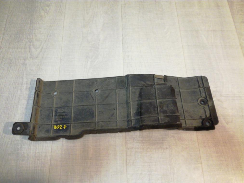 Дефлектор радиатора Hyundai Solaris RB 2010 правый (б/у)