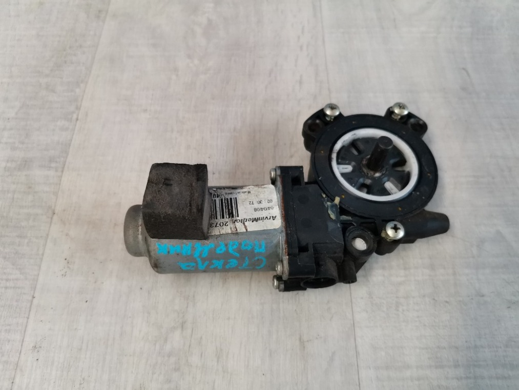 Моторчик стеклоподъемника Renault Megane 2 LM2Y 2003 передний правый (б/у)