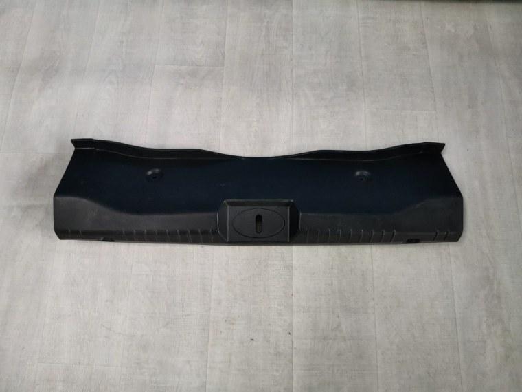 Обшивка багажника Chevrolet Cruze J300 2009 (б/у)
