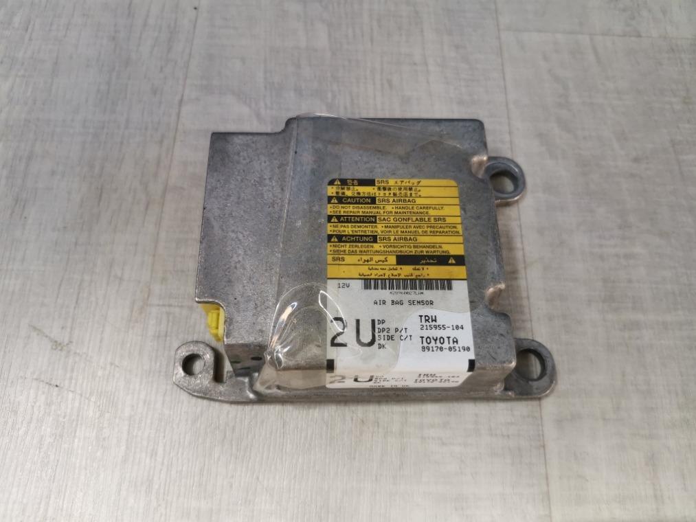 Блок управления air bag Toyota Avensis ZZT251L 2006 (б/у)