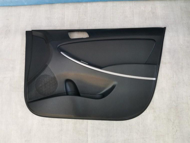 Обшивка двери Hyundai Solaris RB 2010 передняя правая (б/у)