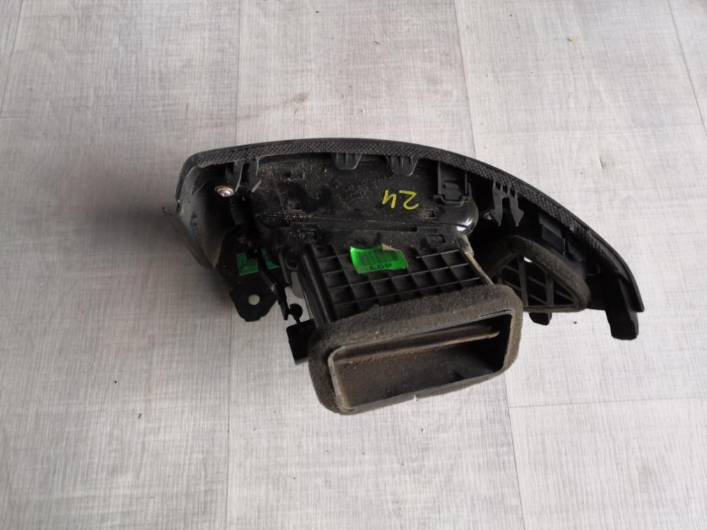 Дефлектор воздушный Hyundai Elantra HD 2006 левый (б/у)