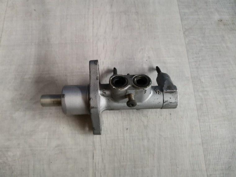 Цилиндр тормозной Mazda 3 BK 2006 (б/у)