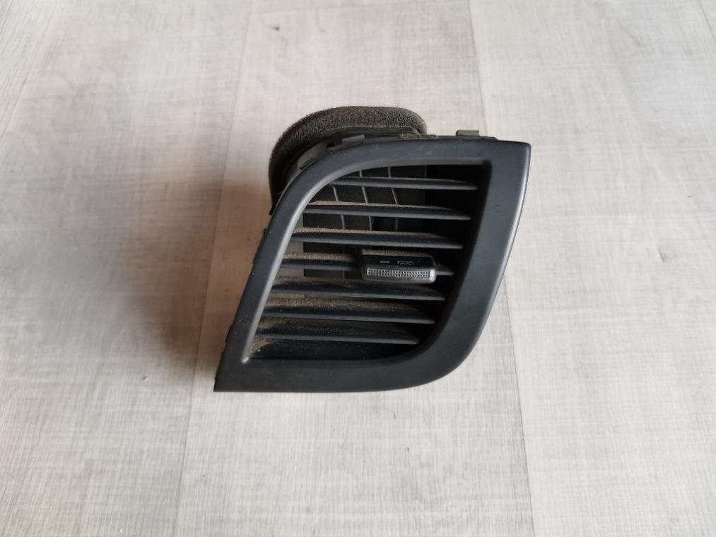 Дефлектор воздушный Hyundai Solaris RB 2010 правый (б/у)