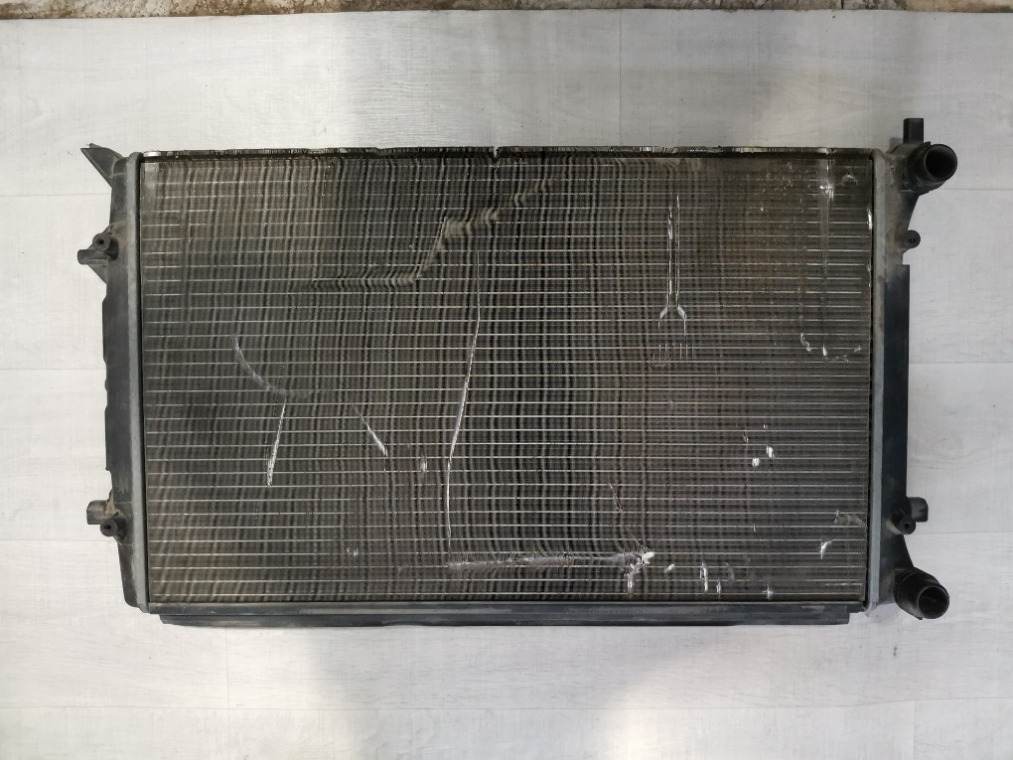 Радиатор охлаждения Volkswagen Golf 6 5K1 2009 (б/у)