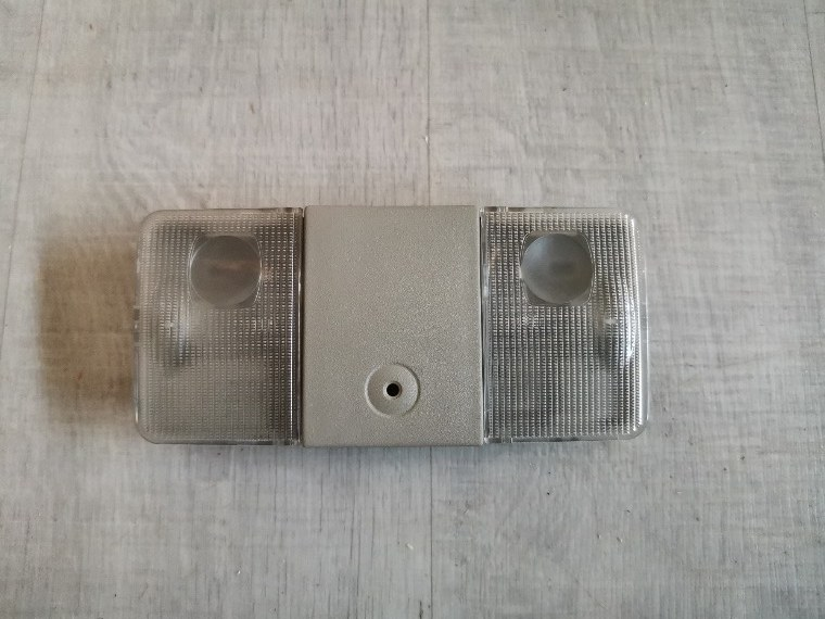 Плафон салонный Nissan Tiida C11 передний (б/у)