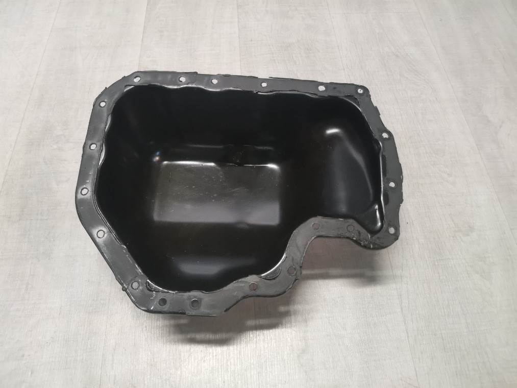 Поддон двигателя масляный Skoda Fabia 5J2 2012 (б/у)
