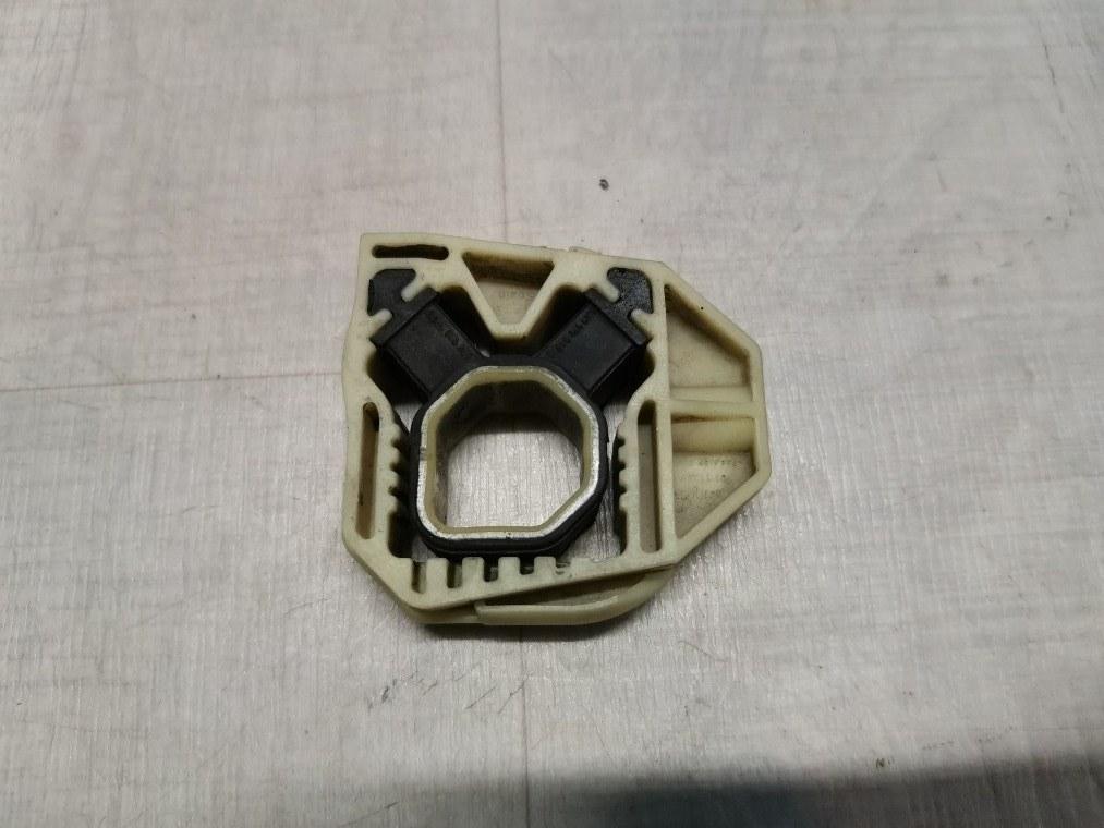Крепление радиатора Skoda Fabia 5J2 2012 (б/у)
