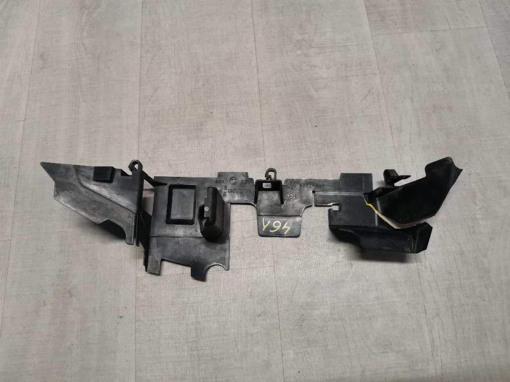 Дефлектор радиатора Skoda Fabia 5J2 2012 левый (б/у)