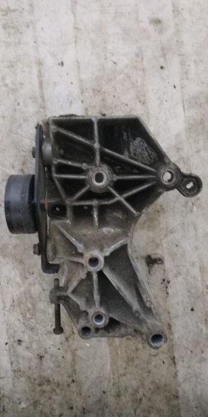 Кронштейн генератора Renault Kangoo 1 KC K7J 2005 (б/у)