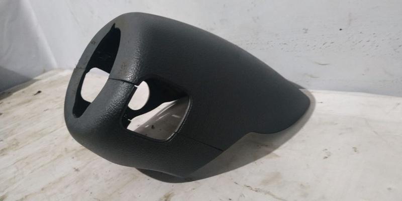 Пластик рулевой колонки Renault Kangoo 1 KC K7J 2005 (б/у)