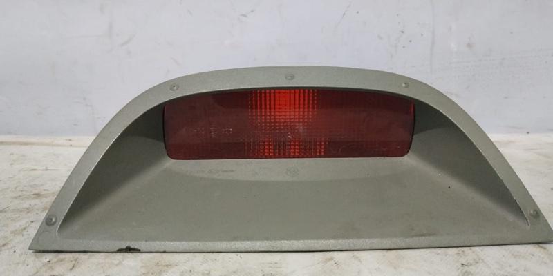 Стоп-сигнал Renault Symbol 1 LB K7J 2004 задний (б/у)