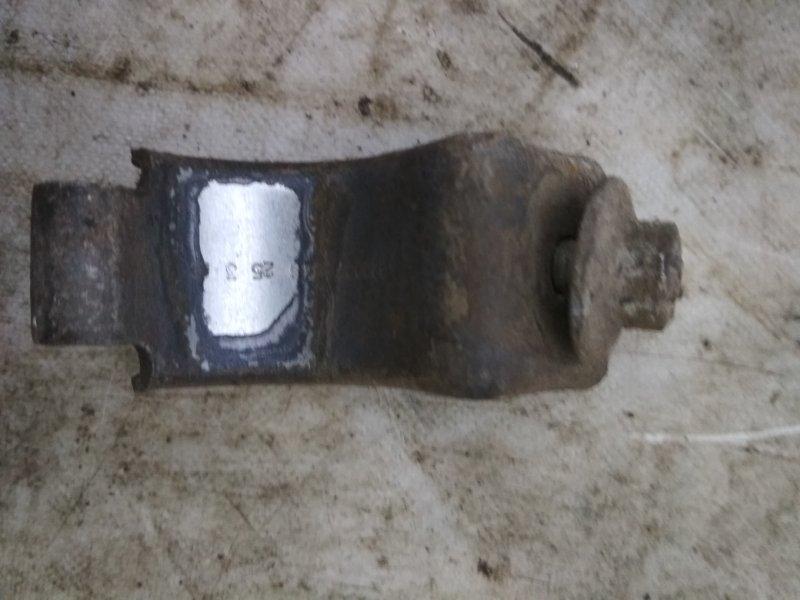 Крепление стабилизатора Renault Symbol 1 LB K7J 2003 левое (б/у)