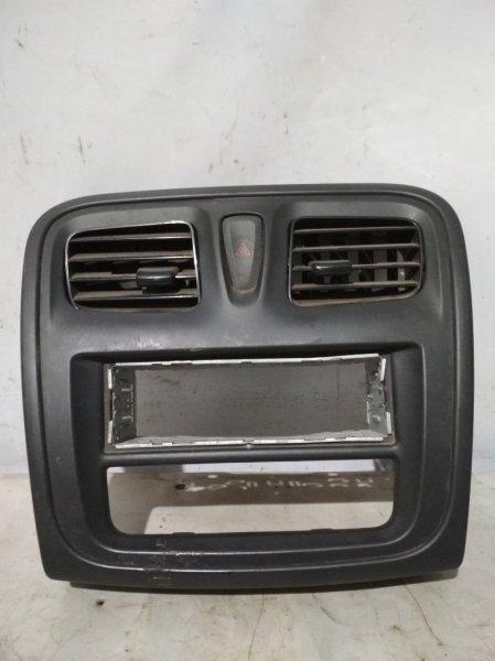 Облицовка панели приборов Renault Logan 2 2014 передняя (б/у)