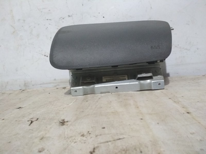 Подушка безопасности пассажира Renault Symbol 2 LU01 K4JB712 2009 передняя правая (б/у)