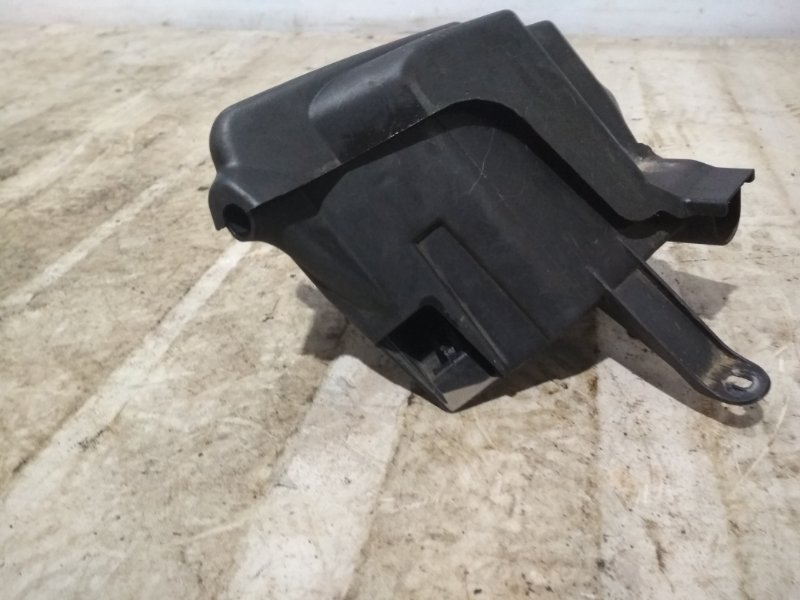 Корпус блока предохранителей Renault Symbol 2 LU01 K4JB712 2009 передний (б/у)