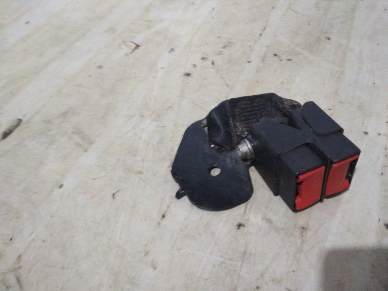 Ответная часть ремня безопасности Renault Symbol 2 LU01 K4JB712 2009 задняя (б/у)