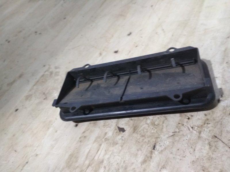 Решетка вентиляционная Renault Symbol 2 LU01 K4JB712 2009 задняя левая (б/у)