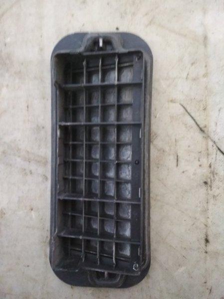 Решетка вентиляционная Renault Clio K7J 1998 задняя правая (б/у)