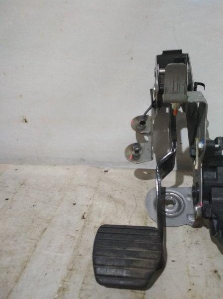 Педаль тормоза Renault Fluence L30R K4M 2012 (б/у)