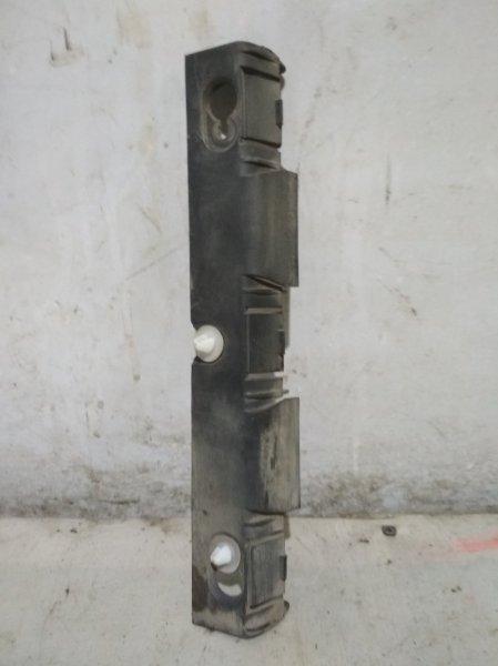 Направляющая заднего бампера Renault Symbol 1 LB K7J 2004 правая (б/у)
