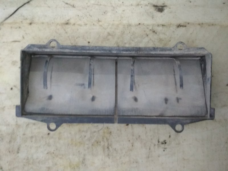 Решетка вентиляционная Renault Symbol 1 LB K7J 2004 задняя правая (б/у)