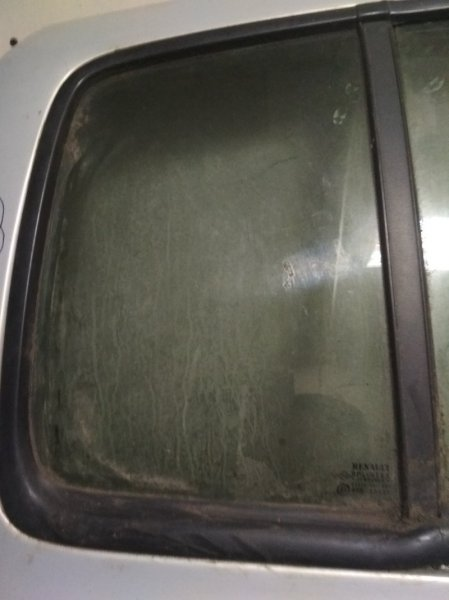 Форточка двери Renault Symbol 1 03.2002 задняя правая (б/у)
