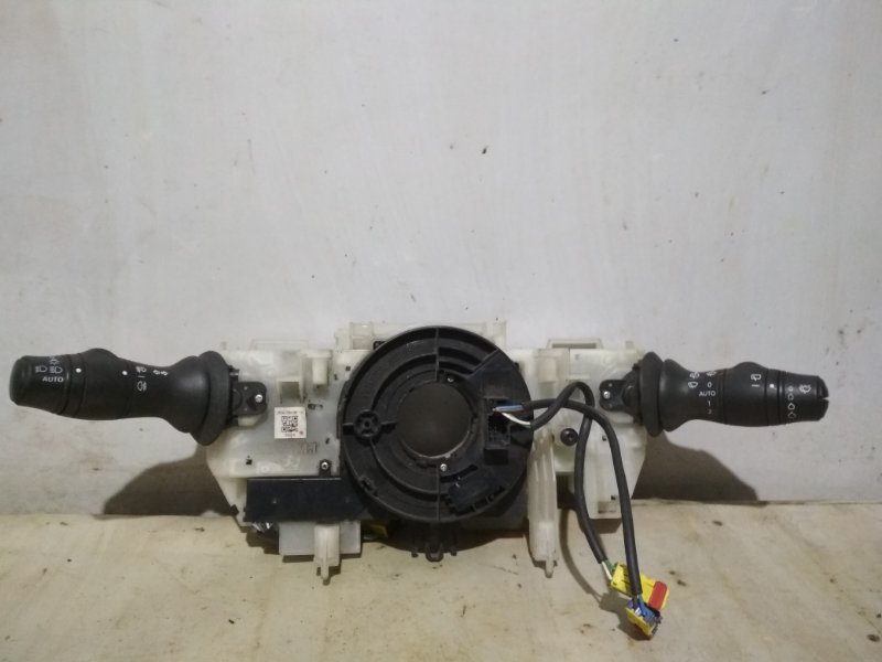 Подрулевой переключатель Renault Megane 3 2010 передний (б/у)